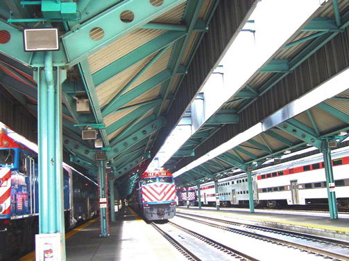 650 x R2S8s supplied to Chicago Metra Railway Stations