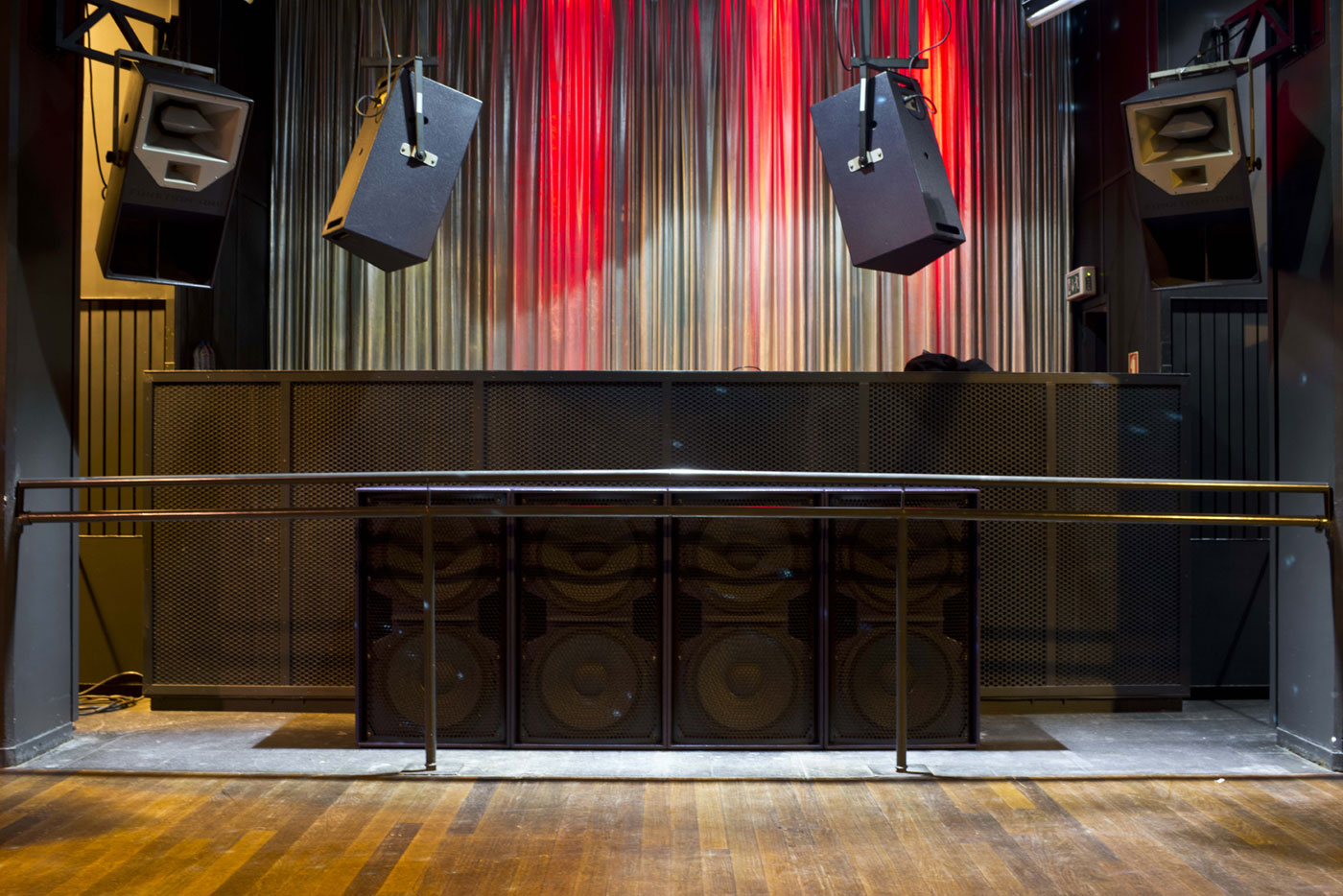 BR221 Bass and Res 2 speakers part of installation at Lux Club - Portugal